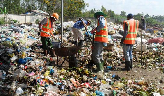 """ĐBSCL: """"Đau đầu"""" với việc xử lý rác thải nguy hại"""