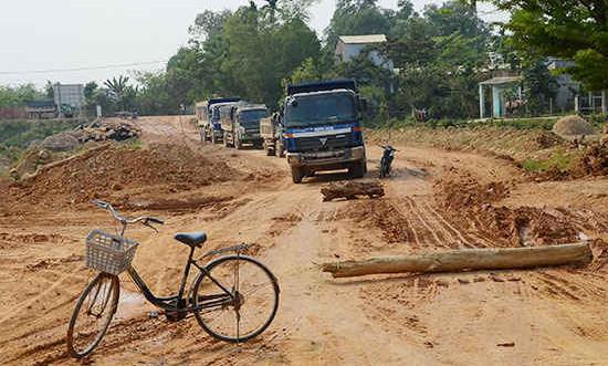 Quảng Nam: Thực hiện chính sách đất đai vướng mắc từ nhiều cấp