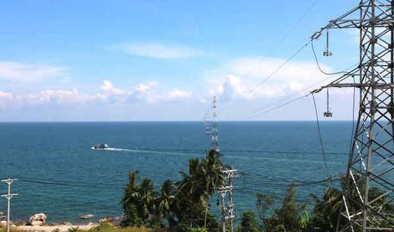 Đóng điện DA cấp điện lưới quốc gia cho xã đảo Lại Sơn