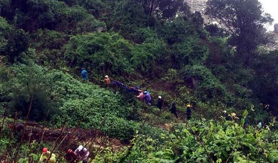Thừa Thiên Huế: Đã tìm thấy thi thể người dân bị sóng biển cuốn trôi mất tích