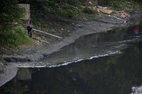 Xã hội hóa xử lý ô nhiễm nước thải làng nghề