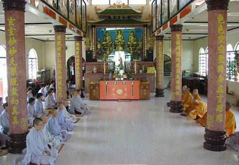 Ngôi chùa 20 năm không đốt vàng mã: Tiết kiệm tiền tỷ để làm từ thiện