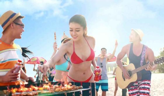 Huyền My lại diện bikini 'gây bão' với thân hình nuột nà, vóc dáng tươi tắn
