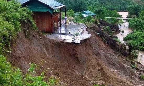 Cảnh báo nguy cơ sạt lở đất ở vùng núi phía Bắc