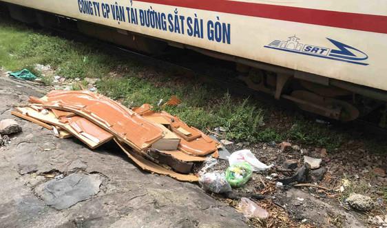 Đà Nẵng: Nhếch nhác, bẩn thỉu đoạn đường sắt qua quận Thanh Khê