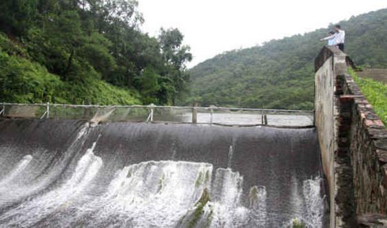 Hà Nội: Mực nước nhiều sông, hồ vẫn ở mức cao