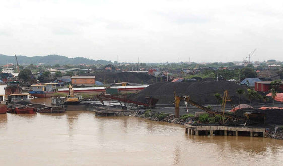 Kinh Môn - Hải Dương: Nhiều bến bãi hoạt động không phép về đê điều