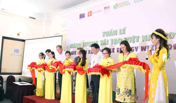 """Năng lượng tái tạo sẽ """"chạm tới"""" mọi người dân Việt Nam từ thành thị đến nông thôn"""