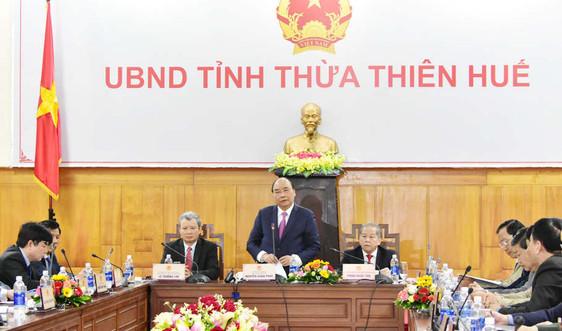 Thủ tướng Nguyễn Xuân Phúc kiểm tra công tác chuẩn bị Tết Nguyên Đán 2019 tại Thừa Thiên Huế