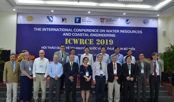 Thảo luận về Tài nguyên nước và kỹ thuật ven bờ biển tại Đà Nẵng