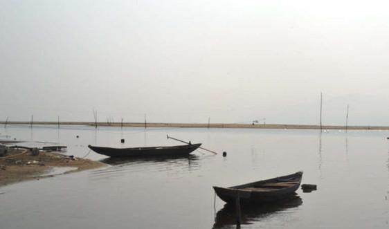 """Đà Nẵng: Cửa sông Cu Đê """"kêu cứu"""" vì cát bồi lấp"""