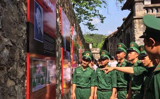 """Sơn La: Trưng bày hơn 70 tư liệu hình ảnh chuyên đề """"Vượt ngục 1943"""""""