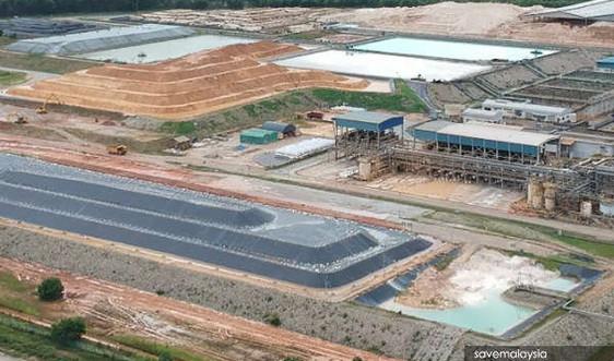 Malaysia hoãn cuộc họp với Úc về chất thải Lynas