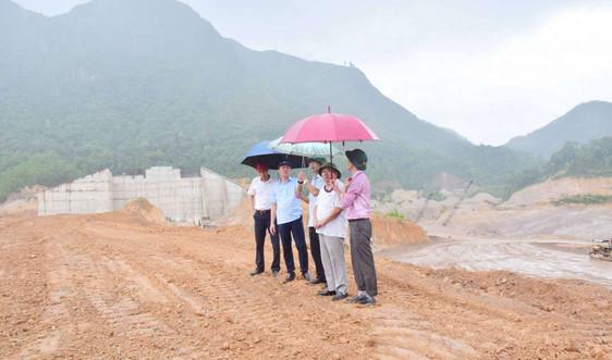 """Vụ suối A Lin """"chảy máu"""" do khai thác cát trái phép ở Thừa Thiên Huế: Lãnh đạo tỉnh đích thân kiểm tra"""