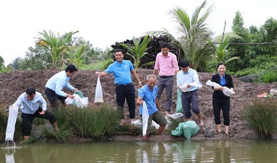Tập đoàn Việt - Úc đồng hành, chia sẻ cùng các hộ dân khó khăn