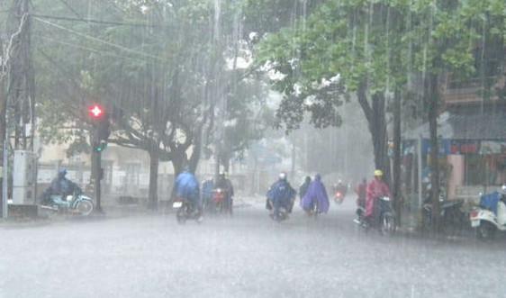 Cảnh báo mưa lớn, lốc, sét và gió giật mạnh ở Trung Bộ, Tây Nguyên và Nam Bộ