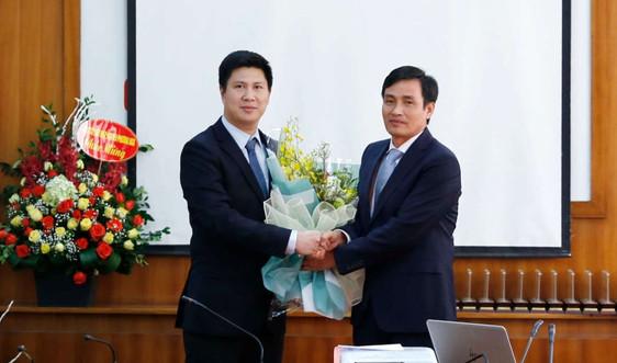 Trao Quyết định tiếp nhận và bổ nhiệm Phó Tổng cục trưởng Tổng cục Biển và Hải đảo Việt Nam