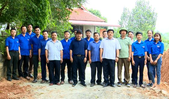 Bá Thước (Thanh Hóa): Bàn giao công trình đường giao thông nông thôn