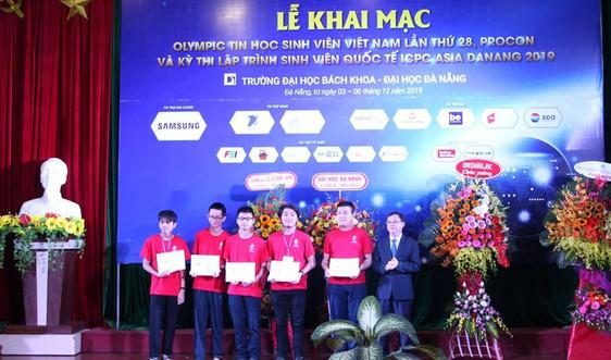 Hơn 700 sinh viên tham gia thi tin học Việt Nam và Lập trình viên quốc tế