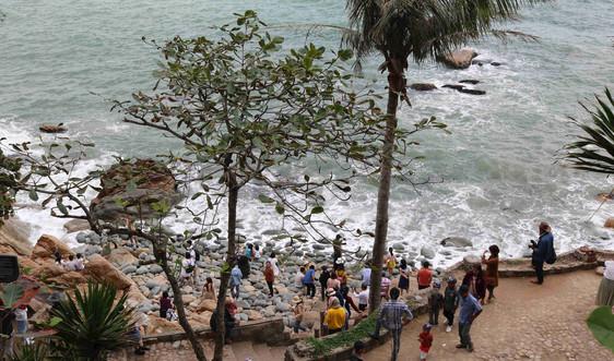 Các khu du lịch tại thành phố Quy Nhơn nói không với nạn xả rác