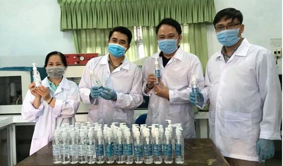 Đại học Sư phạm (Đại học Đà Nẵng) điều chế dung dịch sát khuẩn phòng chống virus Corona