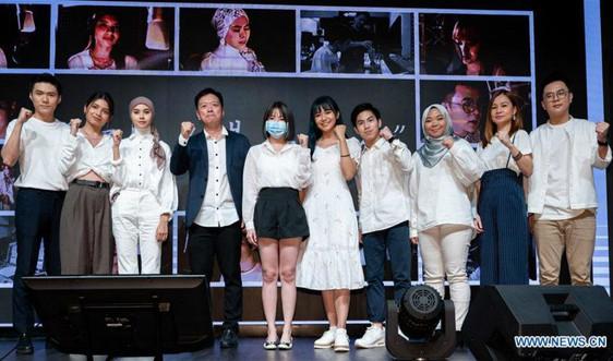 Các nhạc sĩ Malaysia sáng tác bài hát để động viên Trung Quốc đối phó với Covid-19