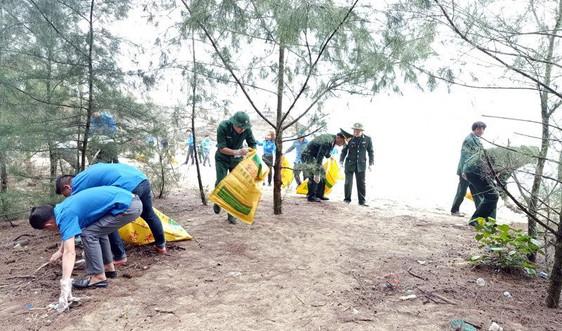 """Hải Hà (Quảng Ninh): Phát động chương trình """"Hãy làm sạch biển"""""""