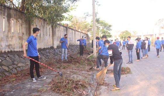 Thành Đoàn Đà Nẵng trao tặng công trình nước sạch cho học sinh