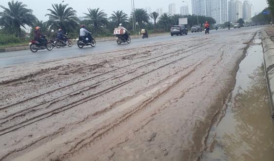 Nhếch nhác bùn đất, phế thải trên Đại lộ Thăng Long
