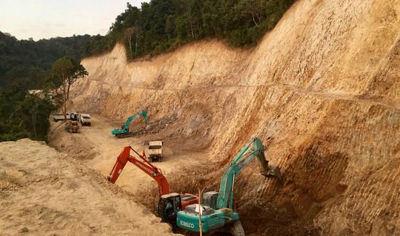 Điện Biên: Chính quyền đã làm gì khi doanh nghiệp san ủi rừng phòng hộ, đổ thải sai quy định?