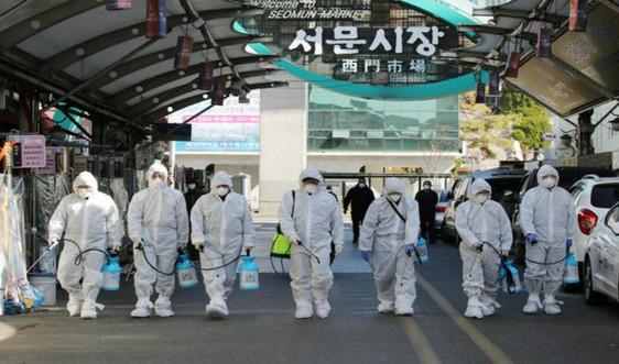 """Dịch Covid-19 ngày 4/3: Hơn 5.300 ca nhiễm tại Hàn Quốc, sẽ thiết lập """"vùng cách ly đỏ"""" tại Italia"""