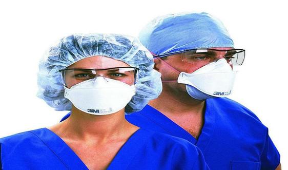Thiếu thiết bị bảo hộ cá nhân sẽ gây nguy hiểm cho nhân viên y tế trên toàn cầu