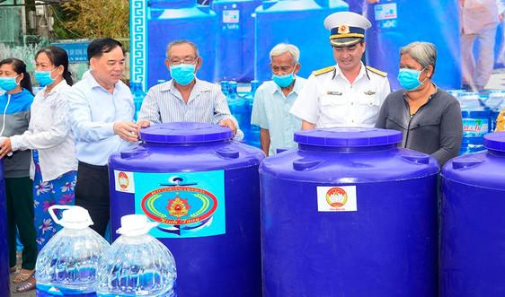 Hàng ngàn m3 nước sạch đến với dân nghèo Bến Tre