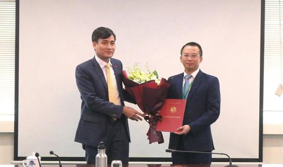 Ông Nguyễn Việt Hùng giữ chức Phó Giám đốc Ban Quản lý dự án đầu tư xây dựng, Bộ TN&MT