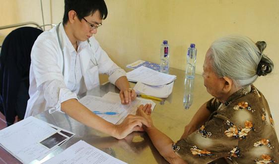 Quản lý chặt chẽ sức khoẻ người cao tuổi, người có bệnh lý nền