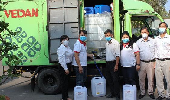 Vedan Việt Nam tài trợ 3.200 lít Javen khử trùng phòng chống dịch bệnh Covid-19 tại các trường học