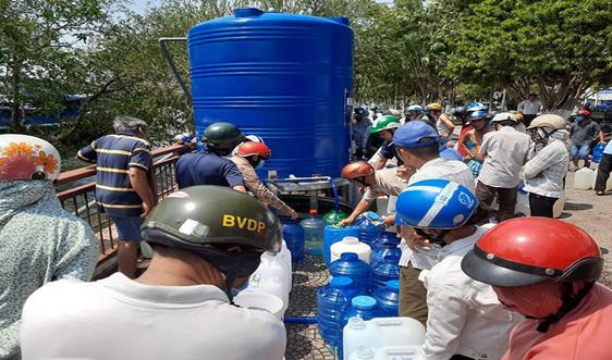 Tiếp tục hỗ trợ nguồn nước ngọt giúp người dân ở Bến Tre, Tiền Giang