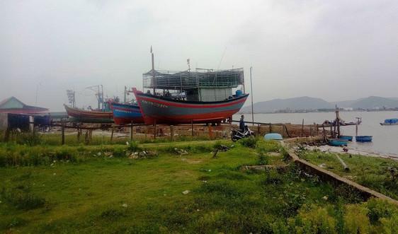 Quảng Bình: Cơ sở đóng tàu hoạt động chui gây ô nhiễm khiến dân bức xúc