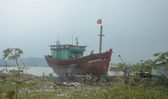 """""""Quảng Bình: Cơ sở đóng tàu hoạt động chui gây ô nhiễm khiến dân bức xúc"""": Đình chỉ hoạt động, yêu cầu trả lại hiện trạng"""