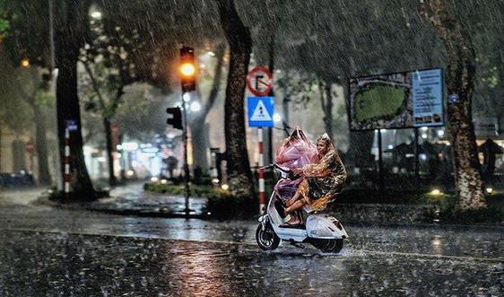 Dự báo thời tiết ngày 18/4: Tây Nguyên và Nam Bộ có mưa dông, lốc, sét, mưa đá và gió giật mạnh