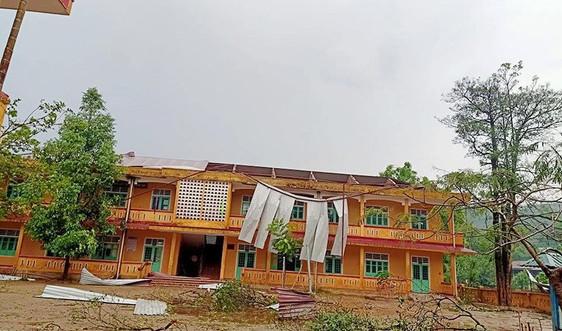 Quảng Trị: Hàng chục nhà dân bị hư hại do lốc xoáy xuất hiện bất ngờ