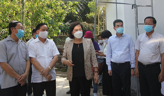 Chủ tịch Quốc hội Nguyễn Thị Kim Ngân dự khánh thành hệ thống máy lọc nước mặn tại Bến Tre