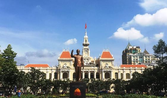 Kỷ niệm 130 năm ngày sinh Chủ tịch Hồ Chí Minh (19/5/1890-19/5/2020):  Hình bóng Bác in sâu trong tim người dân cả nước