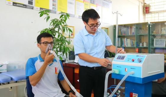 Đại học Bách khoa Hà Nội chế tạo máy thở hỗ trợ điều trị người mắc COVID-19