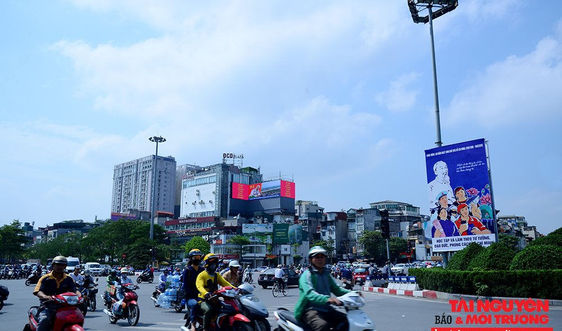 Hà Nội: Trang hoàng rực rỡ kỷ niệm 130 năm ngày sinh nhật Bác