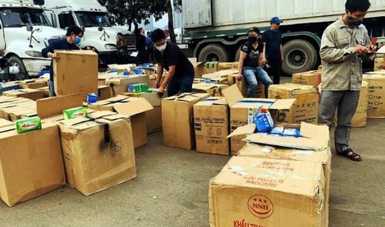 Lào Cai: Tạm đình chỉ cán bộ Hải quan để xác minh liên quan vụ tịch thu hơn 1 triệu khẩu trang y tế