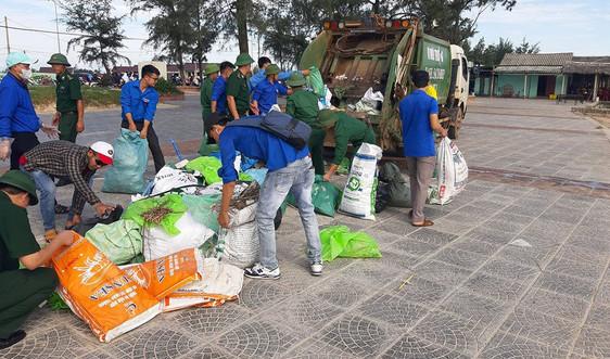 Quảng Trị: Hơn 10.000 đoàn viên thanh niên ra quân vệ sinh môi trường biển