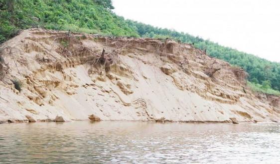 """Thừa Thiên Huế: Sông Bồ sạt lở nặng do """"cát tặc"""", chính quyền vào cuộc"""