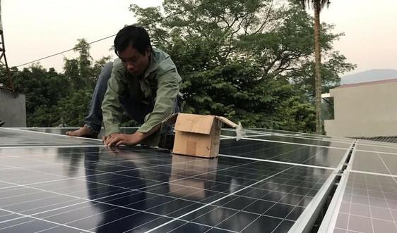 Điện Biên: Khuyến khích sử dụng điện năng lượng mặt trời áp mái
