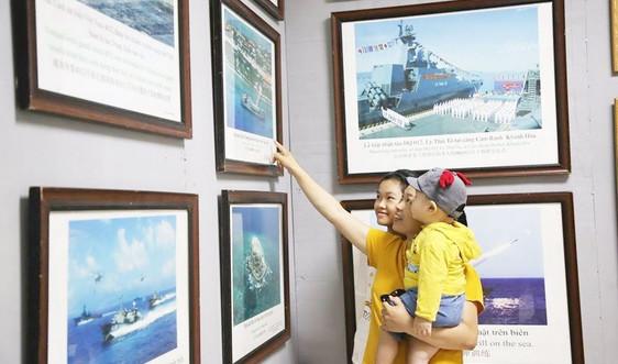 Quảng Trị: Triển lãm trưng bày hàng trăm tư liệu, hiện vật khẳng định chủ quyền Hoàng Sa, Trường Sa của Việt Nam